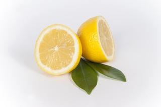 sliced-lemon-667554_960_720.jpg